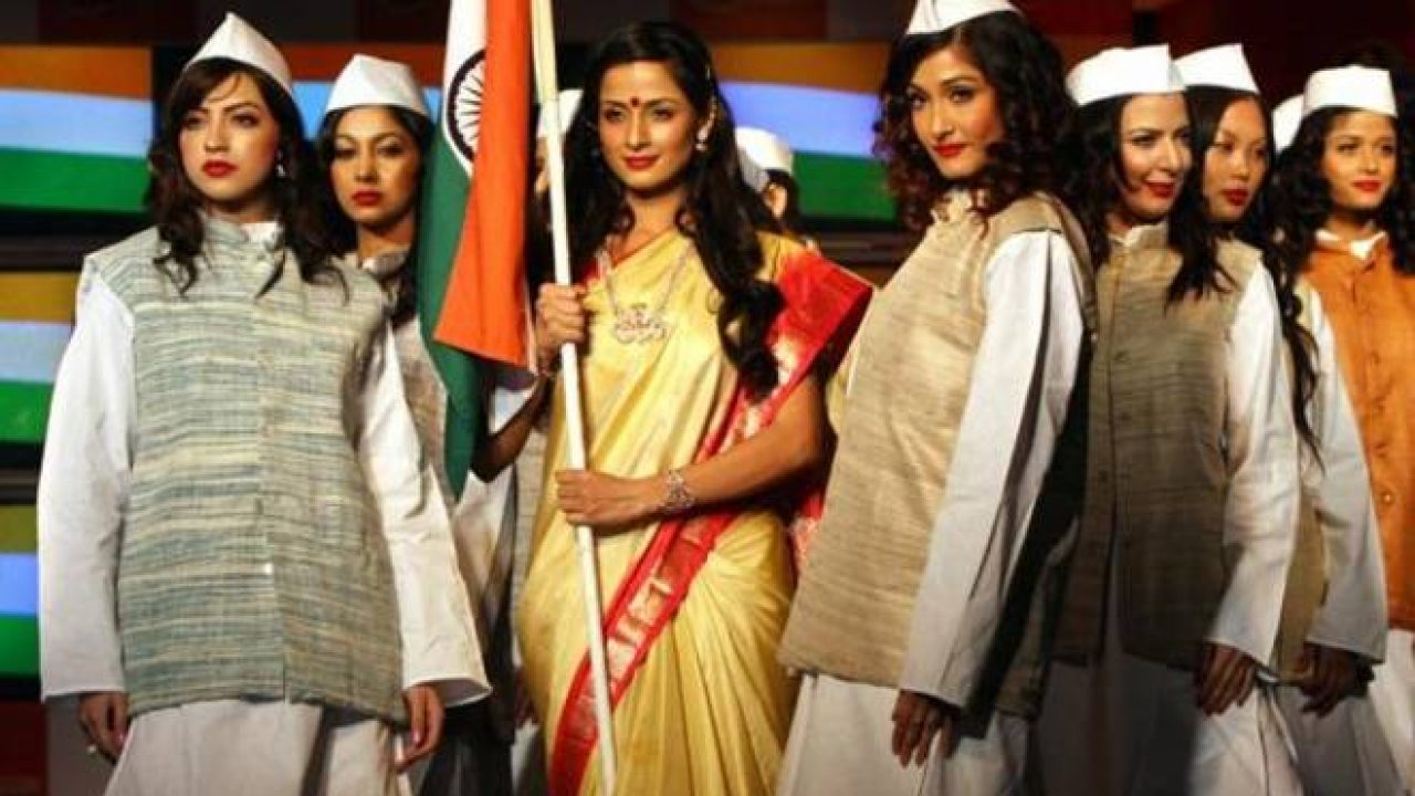Ritu Beri Unveils Khadi Collection The Siasat Daily Archive
